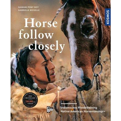 KOSMOS Horse follow closely